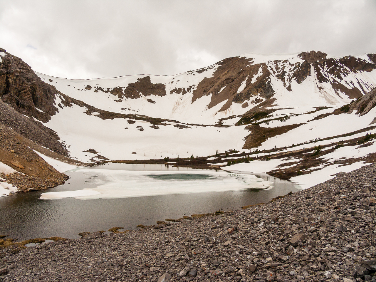 The second lake, above Bourgeau Lake and getting above tree line. Harvey Pass is ahead and to the left.
