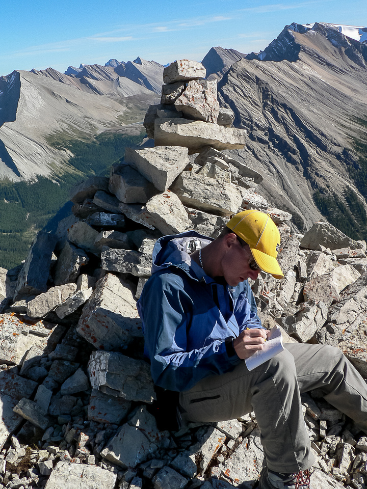 At the south summit of Brachiopod.