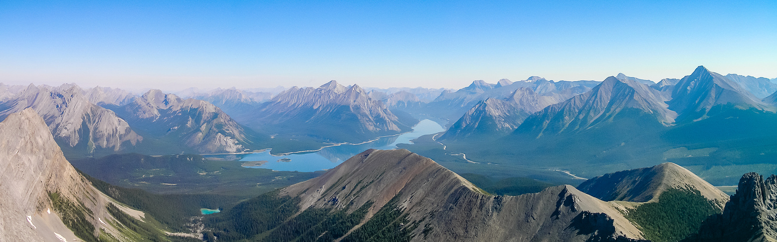 Another panorama over Tent Ridge with Fortune, Nestor, Spray Lakes, Engadine, The Tower and many others visible.