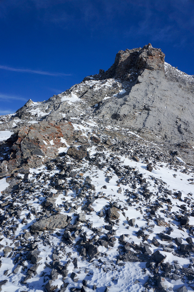 The scrambling part starts just east of the col.