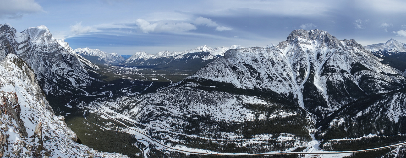 Pano to the north up hwy 40. Kidd at left, Wedge at right.