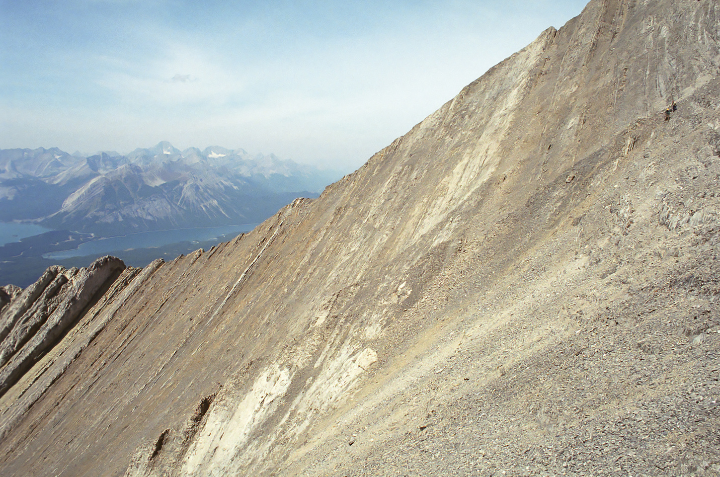 The terrain around the summit of Pocaterra on the west side of the mountain.